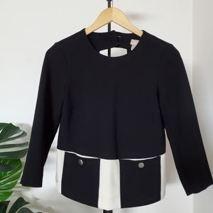 H&M Top with two front functional buttoned pockets